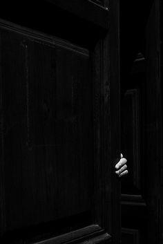 Black | 黒 | Kuro | Nero | Noir | Preto | Ebony | Sable | Onyx | Charcoal | Obsidian | Jet | Raven | Color | Texture | Pattern | Unbenannt by Alessandro Michaelsson