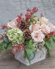 Flowers | Flower Arrangements | Floral | Floral Arrangements | Flower Ideas | How To Arrange Flowers| Pretty Flowers | Interior Design | House | Home | Interiors | Interior Design | Interior Designer | Costa Mesa | Newport Beach | Orange County | California | Design Beautifully! | www.interiordesignbytiffany.com