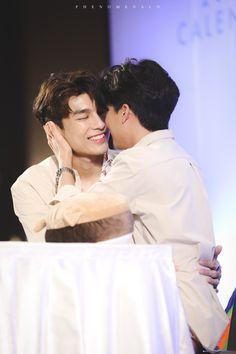 Love Boyfriend, Boyfriend Goals, Cute Asian Guys, Asian Boys, Gay Aesthetic, Cute Love Couple, Cute Gay Couples, Ulzzang Couple, Thai Drama