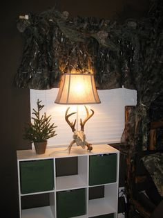 How to decorate a boys room in a hunting realtree camo theme!