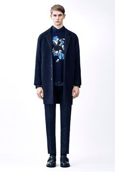 Menswear Autumn Winter 15 | Christopher Kane Fashion Week Hommes, Mens Fashion Week, Fashion Show, Fashion Design, Men's Fashion, London Fashion, Fashion Menswear, Runway Fashion, Fashion Trends