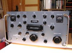 R 390 Navy radio