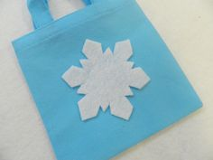 CLEARANCE - Snowflake Favor Bags (Frozen) by TeatotsPartyPlanning on Etsy