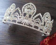 Hapsburg Diamond Tiara imitation. [Ebay: promdresssales] http://forum.alexanderpalace.org/index.php?PHPSESSID=bsnd6p189hi659hbt7jftu30j1&topic=1764.msg199703#msg199703