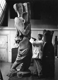 """europeansculpture: """"Marc Vaux - Ossip Zadkine dans son atelier de la Ruche, Paris, années 1930 """""""