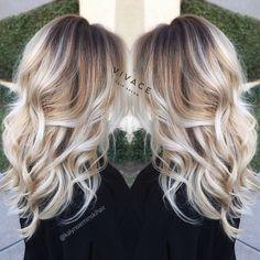 La technique de coloration Balayage est la tendance de toutes les saison, c'est une coloration très à la mode qui donne plus de volume de brillance et de charme à vos cheveux. Si vous avez envie de porter cette tendance nous mettons à votre disposition les plus beaux modèles qui peuvent vous ai…