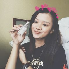 klairs vitamin drop by @nattacosme ❄️This toner has definitely helped balance my skin ❤❤❤ I have a oily skin type but I'd say this is suitable for all skin types, especially those with sensitive ones as this is free from nasty chemicals that could cause irritation. It's perfect for calming any redness and soothes the skin 😘❤🖤 #nattacosme #nattacosmereview #klairsmy