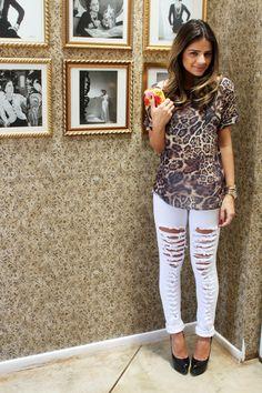 Leopard top & white ripped denim