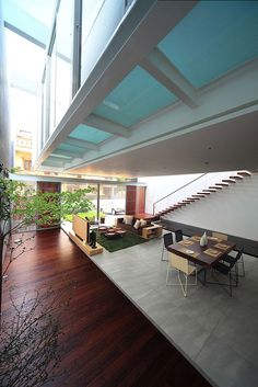 Indonesian architectural firm, Chrystalline Architect, has designed the Satu House, a three story home, located in Jakarta, Indonesia. Indonesian Architecture, Interiors Architecture, Satu House, Architecture Interiors, Interiors Design, Home Decorations, Chrystallin Architects, Modern Luxury, Chrystallin Artchitect