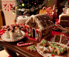 Hummingbird Miniatures: Christmas Candy and Gingerbread Houses!
