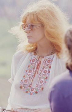Girls From Woodstock Music Festival: Stunning Photos Depicting The Hippies Fashion Of Late 1969 Woodstock, Festival Woodstock, Woodstock Hippies, Woodstock Music, Woodstock Photos, Hippie Look, Hippie Style, Bohemian Mode, Hippie Bohemian