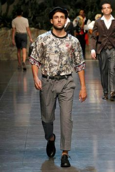 Dolce Summer 2013 For more men's style and fashions, go to www.TheSoeberg.com The Rival, Dolce And Gabbana Man, Spring Collection, Fitness Inspiration, Runway, Hipster, Mens Fashion, Men's Style, Archive