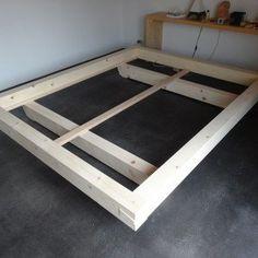 Balkenbett altholz  Bett aus Altholz | Holzbett | Pinterest | Sleep tight, Bedrooms ...