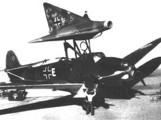 Ww2 Aircraft, Aircraft Carrier, Military Aircraft, Luftwaffe, Me262, Flying Vehicles, Ww2 Pictures, Airplane Design, Experimental Aircraft