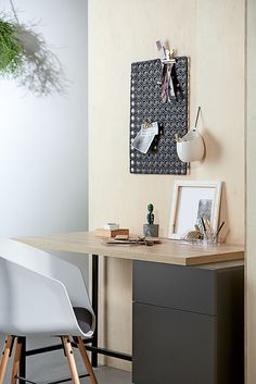 Home office in your living room. Casual Contrast.
