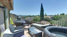 Maison de village de 130 m² avec Extérieur Aix En Provence, Roy René, Patio, Outdoor Decor, Home Decor, Village Houses, Real Estate, Decoration Home, Room Decor