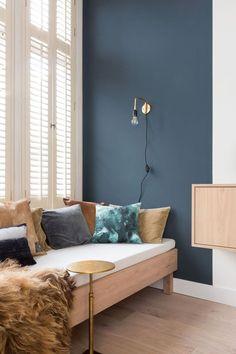 The Best 2019 Interior Design Trends - DIY Decoration Ideas Home Living Room, Living Room Decor, Bedroom Decor, Blue Rooms, Blue Walls, Coin Banquette, Interior Paint Colors For Living Room, Interior Livingroom, Apartment Interior