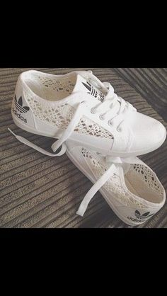Immagine di adidas, shoes, and white