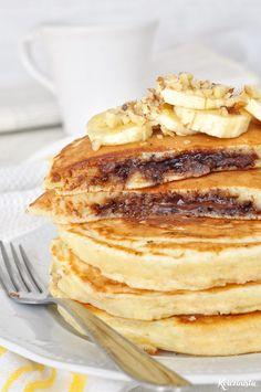 Pancakes με κρυφή γέμιση πραλίνας φουντουκιού / Nutella stuffed pancakes Sweet Breakfast, Breakfast Recipes, Dessert Recipes, Desserts, Nutella Pancakes, Recipe Tin, How To Make Pancakes, Homemade Pancakes, Waffle Recipes