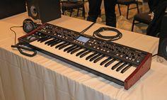 Einer von zwei Prototypen des DeepMind 12 auf der Knobcon in Chicago