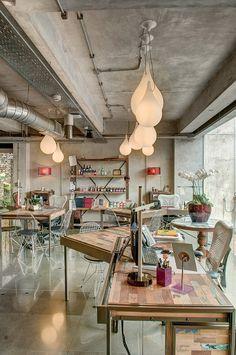 Home.co.id   Tips: Berkreativitas dengan Semen Industrial Furniture, Kitchen Sink, Table Settings, Dining Room, Ceiling Lights, Modern, Property Listing, Knowledge, Home Decor