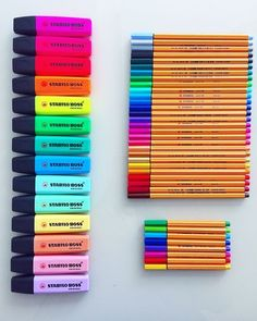 diy school supplies Discovered by Sasha. Find images and videos about colorful, draw and diy on We Heart It - the app to get lost in what you love. Stationary School, School Stationery, Cute Stationery, Stationary Store, Stationary Supplies, Lettering Brush, School Suplies, Stabilo Boss, Back To School Supplies
