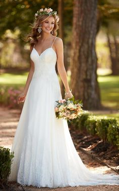 Stella York aline wedding dress in lace and chiffon with a long beautiful illusion train