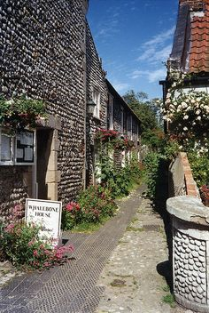 A Lane In Cley-Next-The-Sea, Norfolk | Flickr - Photo Sharing! http://www.flickr.com/photos/bestfor/3922507347/