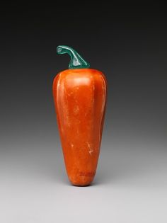 Snuff bottle in the shape of a hot pepper | China | Qing dynasty (1644–1911), Qianlong period (1736–95) | The Met