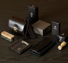 Percassi, Womo Brand Development. Some of the accessories and materials on which the identity of Womo has been applied.
