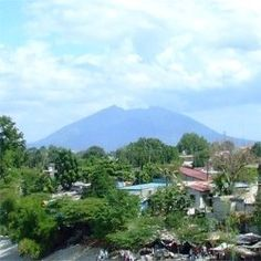Arayat as seen from Angeles City, Pampanga, Philippines. The Philippine province of Pampanga on the main island of Luzon. Subic Bay, Washington Heights, Baguio, Manila, Filipino, Homeland, Childhood Memories, Places Ive Been, Philippines