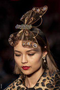 Dolce & Gabbana at Milan Fashion Week Fall 2019 Steampunk Top Hat, Milan Fashion, Headdress, Runway, Jewelry, Collection, Cat Walk, Walkway, Jewlery