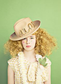 <<Lady with hat>>