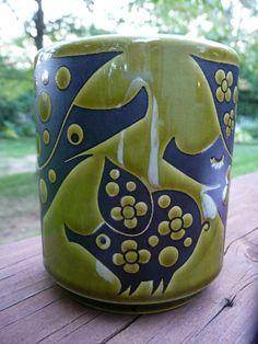 PIG family MUG - olive green and black - Hornsea England - John Clappison