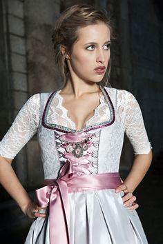 Dirndl Magdalena silber rose Style Dirndl Damen, AlpenHerz ♥ #Alpenherz #Dirndl…