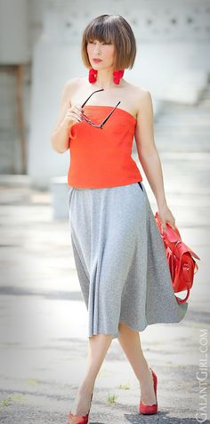 #ChicGirl #ChicStyle #redOutfit #StreetStyleInspo #SpringOutfit #StreetStyleFashion #FlaredSkirt #BandeauTop #GalantGirl