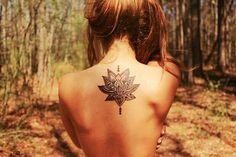 tatouage dans le dos