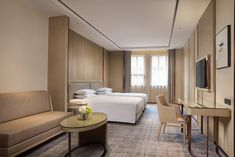 Courtyard Shanghai International Tourism and Resorts Zone Family Room Living Room Decor Set, Hotel Corridor, Hotel Room Design, Hotel Decor, Marriott Hotels, Home Decor Pictures, Hotel Interiors, Room Planning, Hotel Suites