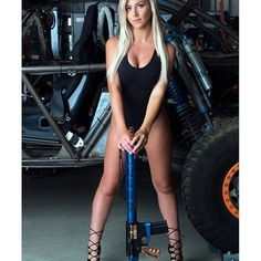 How about some muzzle discipline. Bad Girlfriend, Girls Showing Off, Female Soldier, Blonde Women, Woman Crush, Gorgeous Women, How To Look Better, Lady, Weapons