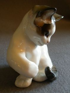 Resultado de imagen de porcelain figurines