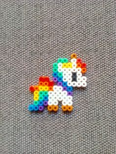 Perler Beads Unicorn Minecraft - Minecraft World 2020 Perler Bead Designs, Easy Perler Bead Patterns, Melty Bead Patterns, Perler Bead Templates, Hama Beads Design, Diy Perler Beads, Perler Bead Art, Beading Patterns, Pikachu Hama Beads