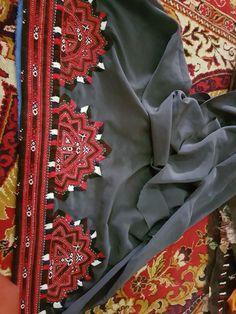 Balochi Dress, Men Dress, Embroidery Dress, Hand Embroidery, Home Decor Baskets, Gold Jewellery Design, Dress Picture, Bridal Outfits, Headgear