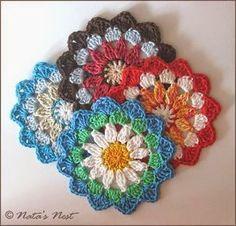 Natas Nest: Mandala Flower Coaster - Free Crochet Pattern / Mandala Blumen Untersetzer - Kostenlose Häkelanleitung