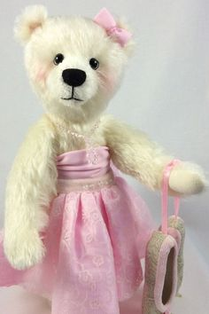 Anna by Pinney Bears (Margaret Jackson)