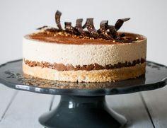 Entremets Dulcey, Croquant Praliné & Noisette   Lilie Bakery 1