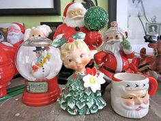 VINTAGE CHRISTMAS DECORATING IDEAS   Vintage Christmas Ornament Wreath – A Retro Holiday Treat from ...