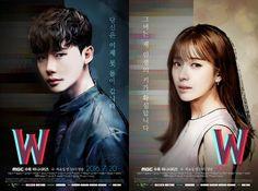 """W: Oh Yeon Joo (Han Hyo Joo) es una cirujana cardiotorácica cuyo padre se dedica a escribir el webtoon más famoso de Corea """"W"""". El autor harto ya del personaje de Kang Chul (Lee Jong Suk), decide que es hora de matarlo. Sin embargo, por sucesos inesperados, ella se traslada al mundo ficticio donde vive Kang Chul y lo salva. De ahí en adelante ella intentará averiguar qué sucede realmente para que ambos mundos se unan y por qué su padre está empecinado en matar al personaje principal de su…"""