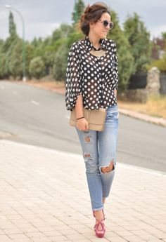 19 Favorite Boyfriend Jeans For Woman. Hmmm, never thought about wearing my necklace that way