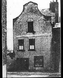 "A Dutch 'Billy"" in Pimlico: a modest 3 storey house, with beautiful proportions and an urban presence that is huge for a small house. Dublin Street, Dublin City, Old Pictures, Old Photos, Vintage Photos, Dublin Skyline, 3 Storey House, Wild Irish Rose, Irish Celtic"