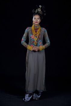 Minh Hanh. Vietnamese Fashion Designer FW11 Photo: Jack Dabaghian Model: Quanh Di